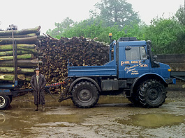 Producing firewood logs whatever the weather